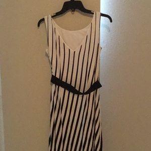 Ann Taylor sleeveless maxi dress